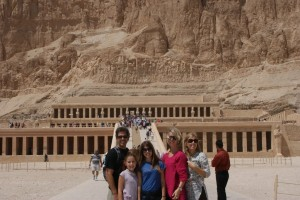 Luxor Hep w family